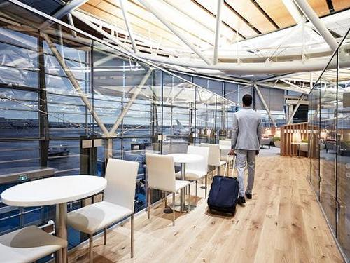 Gain access to the SkyTeam lounge at Vancouver International Airport thanks to the Scotia Gold Amex