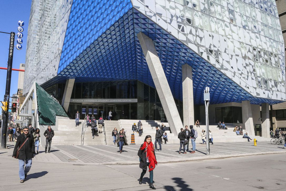 The Best Credit Cards for Ryerson University Students