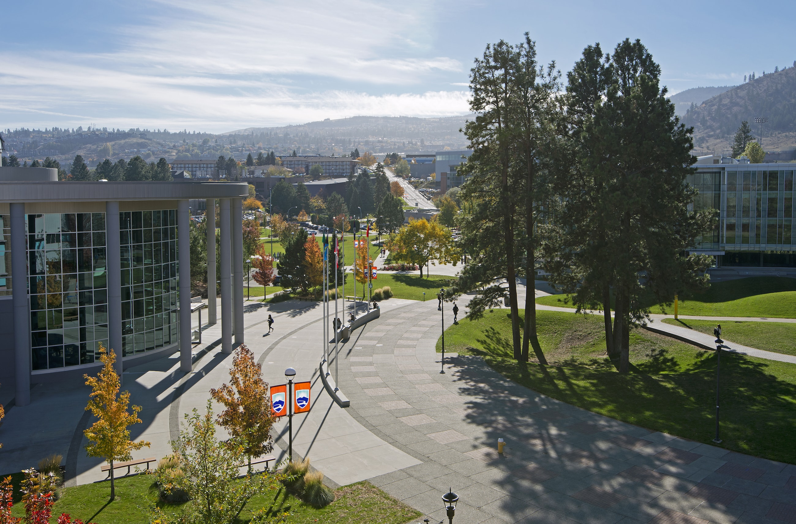 The Best Credit Cards for Thompson Rivers University Students