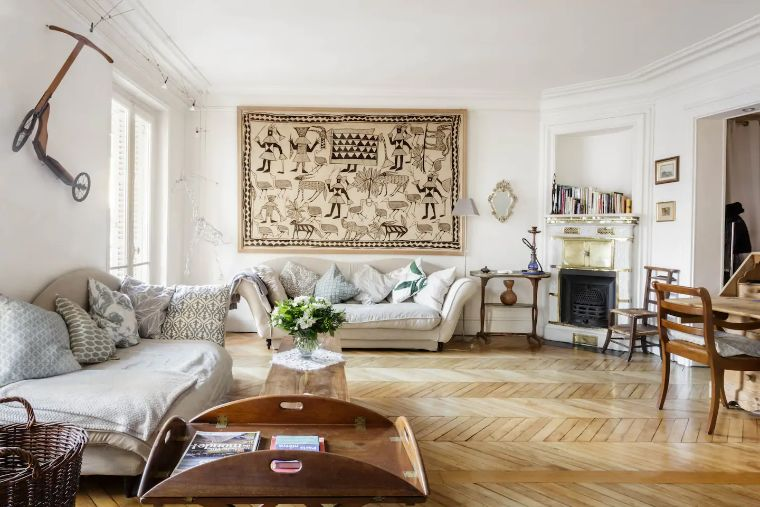 Romantic Apartment in Paris