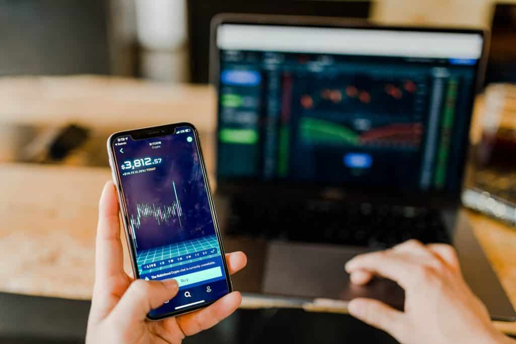 virtual bank smartphone investment